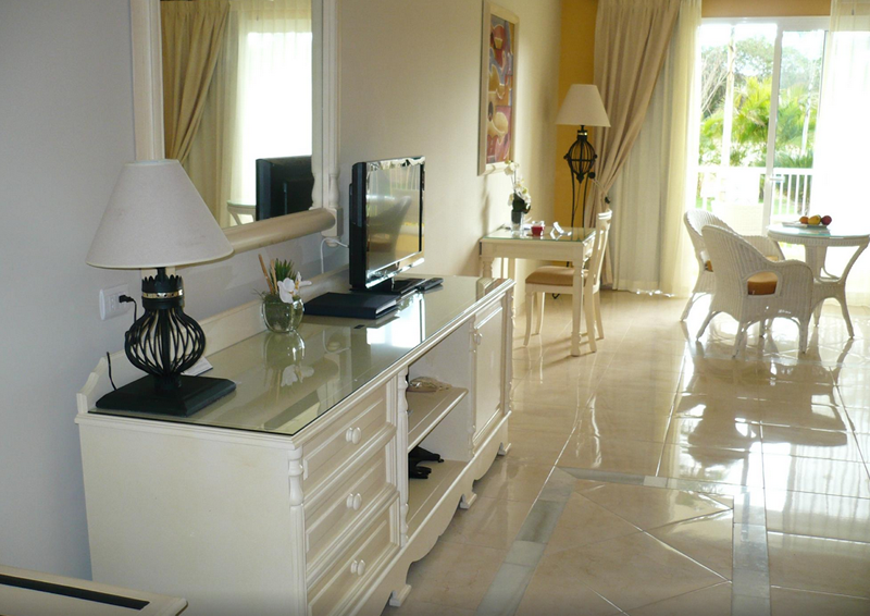luxury-bahia-principe-bouganville-suite-002